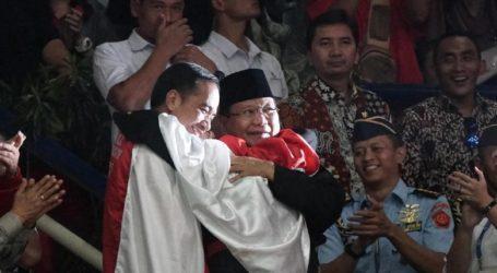 """Momen """"Pelukan"""" Jokowi-Prabowo di Asian Games"""