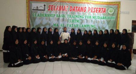 Pon Pes Al-Fatah Lampung Adakan Pelatihan Kepemimpinan