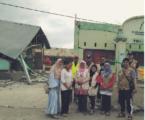 Bidadari dari Kayangan Pemandu Relawan Menyalurkan Bantuan
