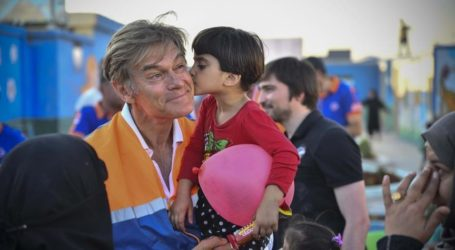 Dr Mehmet Oz Terkejut Saat Kunjungi Pengungsi Suriah