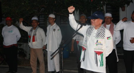 Imaam Yakhsyallah Lepas Seribu Peserta Gerak Jalan Cinta Al-Aqsha