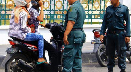 Tegakkan Syariat di Aceh, Polisi Syariah Gelar Razia Busana