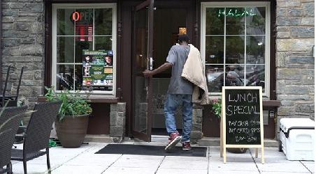 Restoran Halal Amerika Gratiskan Makan untuk Ribuan Tunawisma