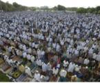 Khutbah Jumat: Islam Mengajarkan Persatuan