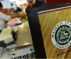 Wardah Raih Penghargaan Halal Top Brand 2018