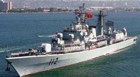 China Marah Kapal Perang AS Berlayar di Laut Yang Disengketakan