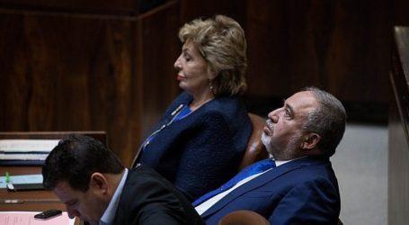 Duduk di Sebelah Anggota Knesset Arab, Lieberman Minta Pindah Kursi