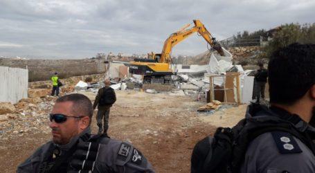 Pasukan Israel Hancurkan Bangunan Perumahan di Beit Hanina