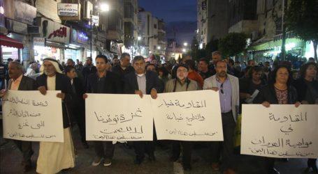 Ratusan Warga Palestina di Ramallah Protes Serangan Israel