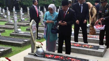 Wapres Pimpin Peringatan Hari Pahlawan di TMP Kalibata