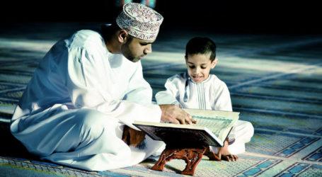 Khutbah Jumat: Mendidik Anak Menjadi Hamba Allah Yang Bertakwa