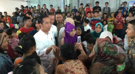 Presiden Jokowi Mengunjungi Lokasi Terdampak Tsunami