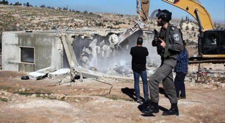 Tentara Israel Paksa Warga Palestina Hancurkan Tempat Tinggalnya Sendiri