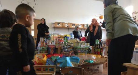 Keluarga Muslim Liverpool Donasi ke Bank Makanan untuk Natal