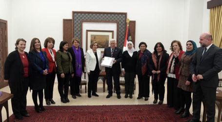 Abbas Bertemu Delegasi dari Persatuan Umum Wanita Palestina