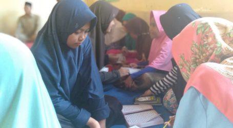 Santri Al-Fatah Bantu Korban Tsunami Selat Sunda