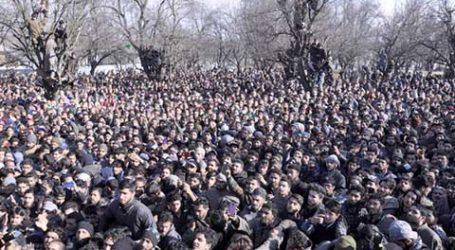 Lautan Manusia Shalati Jenazah Komandan Tertinggi Militan Al-Badr