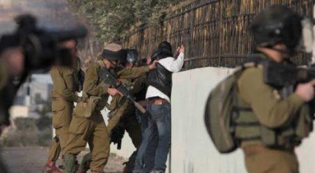 Pasukan Israel Katakan Senjatanya Dicuri, Tangkap 10 Warga Palestina di Tepi Barat