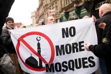 Laporan: Islamofobia Pendorong Kebangkitan Sayap Kanan di Inggris