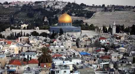Departemen Wakaf Yerusalem Terus Menjaga Situs Al-Aqsa