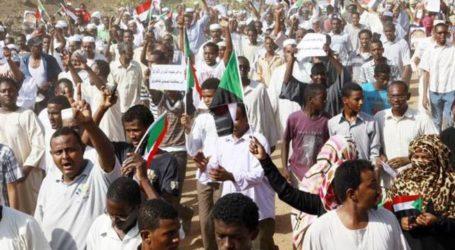 Presiden Sudan Larang Pertemuan Publik dan Protes