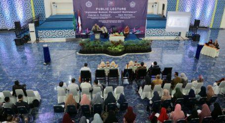 Menlu Jelaskan Arah Diplomasi Indonesia pada Generasi Muda Makassar