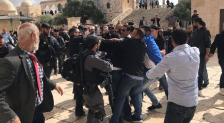 Polisi Israel Serang Jamaah Bab Al-Rahma Masjid Al-Aqsa