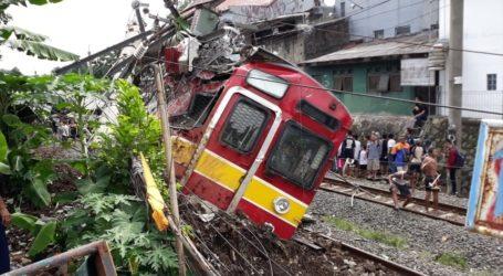 KRL Anjlok di Bogor: 17 Orang Terluka Dievakuasi