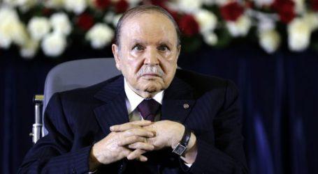 """Presiden Aljazair Ingatkan """"Kekacauan"""" karena Adanya Demonstran Penyusup"""