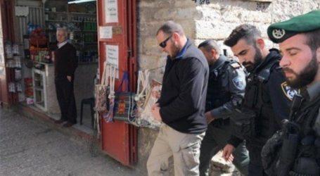 Israel Tahan Seorang Karyawan Dewan Wakaf Islam di Al-Aqsha