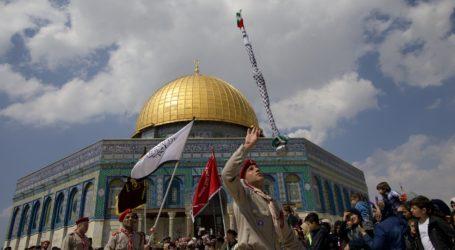 Warga Palestina Peringati Isra Mi'raj di Al-Quds