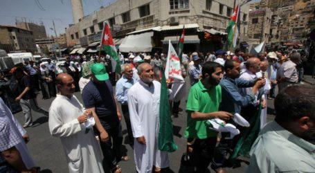 Warga Yordania Gelar Aksi Pro-Palestina di Dekat Laut Mati