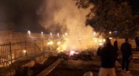 Kebakaran di Atap Masjid Marwani Al-Aqsha