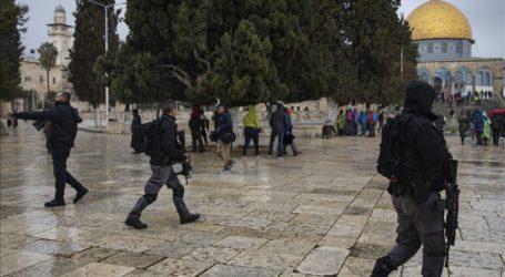 Pasukan Israel Serbu Masjid Al-Aqsha