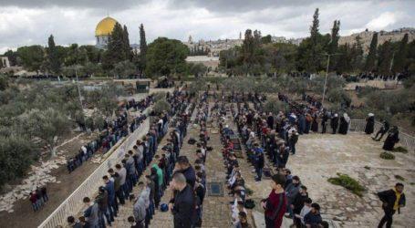 50 Ribu Jamaah Shalat Jumat di Al-Aqsa