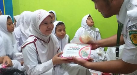 BAZNAS Santuni 100 Anak Yatim dan Dhuafa di Menteng