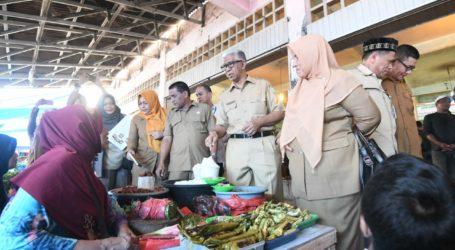 Pastikan Kesedian Pangan, Plt Sekda Aceh Sidak ke Sejumlah Pasar