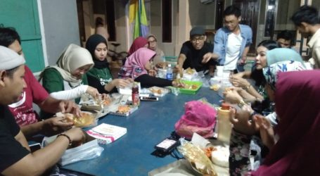 DD Bersama Para Influencer Berbagi Dengan Masyarakat Pulau Pari