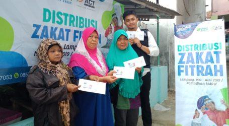 Warga Pesisir Bandar Lampung Terima Zakat Fitrah dari Global Zakat