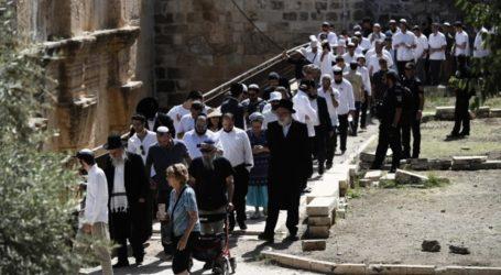 Israel Lakukan Serangan dan Penangkapan di Masjid Al-Aqsha