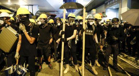 Kerusuhan di Hong Kong Pecah Saat Polisi Menembak