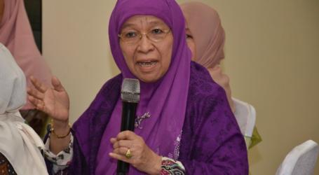 Ibadah Haji Meneguhkan Ikrar Hidup Halal – Bag. 1 (Prof. Khuzaemah T. Yanggo)