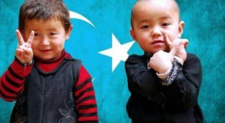 BBC: Anak-anak Muslim Uighur Dipisahkan dari Keluarganya