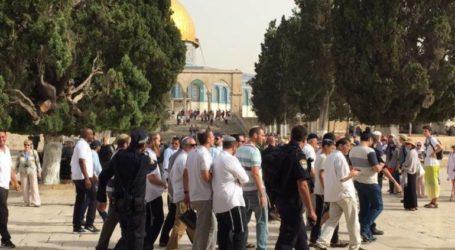 Ratusan Pemukim Yahudi Serbu Masjid Al-Aqsa