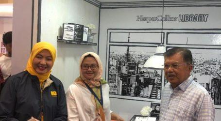 JK Kunjungi IIBF, Borong Buku