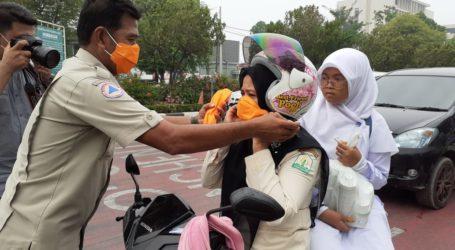 5.000 Masker Dibagikan Kepada Pengguna Jalan di Banda Aceh