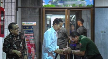 Presiden Jokowi Jenguk B.J. Habibie di RSPAD