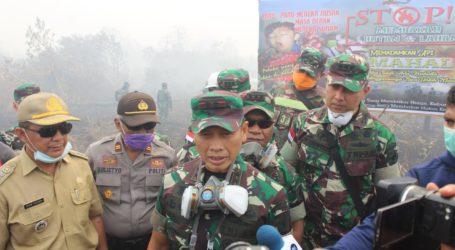 Tinjau Karhutla, Pangdam Tanjungpura Ungkap Kendala Pemadaman Api