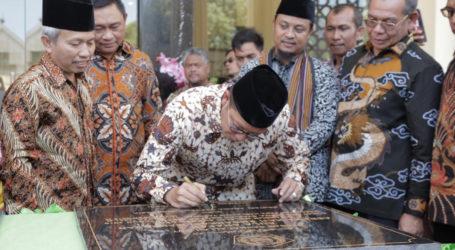 Menag Resmikan Dua Gedung di Asrama Haji Sudiang Makasar