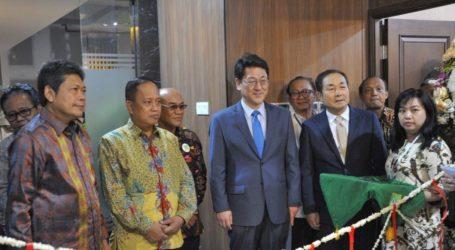 Menristekdikti Resmikan Kantor Pusat Universitas Ciber Asia